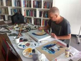 Acrylic painter Sunshine Coast - Painting in studio